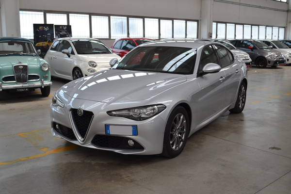 Alfa Giulia 2.2 TD 150CV BUSINESS AUTOMATICA