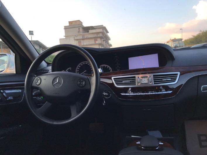 Mercedes S 420 cdi Avantgarde unico proprietario con soli 133.000 km con libretto service presso assistenza Mercedes,guidata sempre con autista personale,pari al nuovo, piena di accessori.