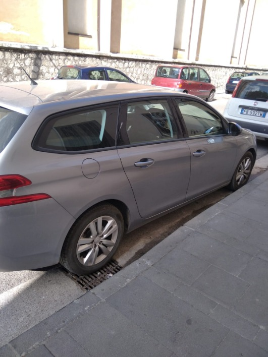 """Peugeot 308 sw 1.6 92cv"""